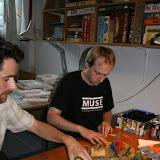 Kenneth og Claude er klar til arkæologispil.